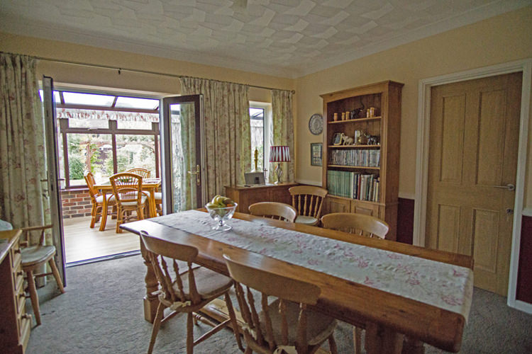 Finisterre Breakfast Dining Room Chichester B and B